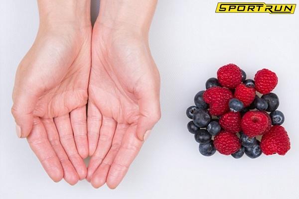 Cách xây dựng chế độ ăn uống hợp lý bằng nguyên tắc bàn tay