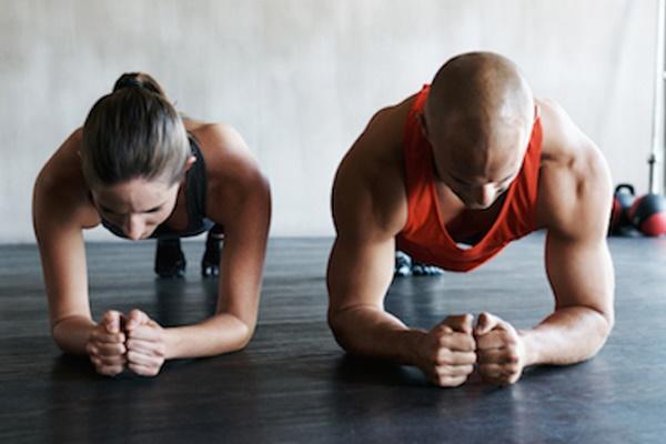 Tập plank đúng cách giúp bạn có vòng eo thon thả